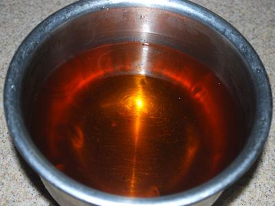 4.フキンやキッチンペーパーで濾すと出来上がり。